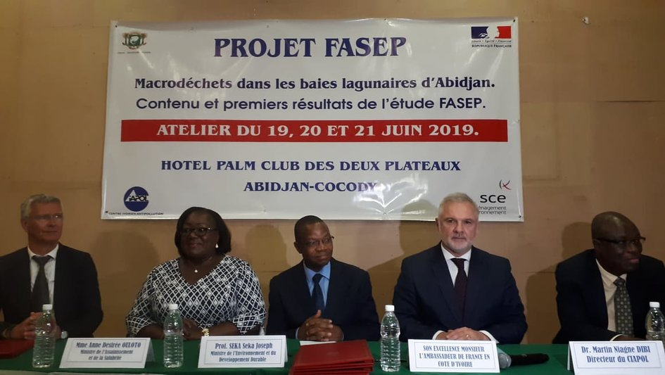 La France s'engage pour la dépollution de la lagune d'Abidjan - JPEG
